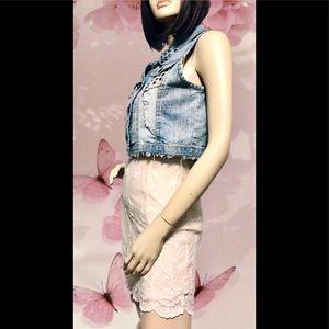 RUE 21 • Cropped Distressed Jean Vest / (XL) NEW!!